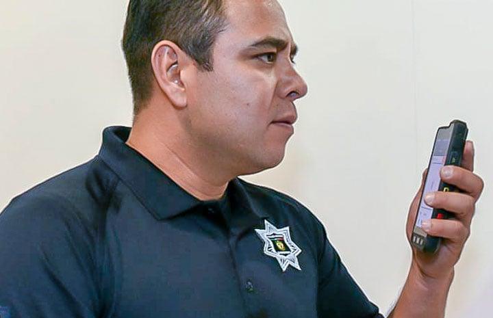 Queretaro-police-officer_720x465